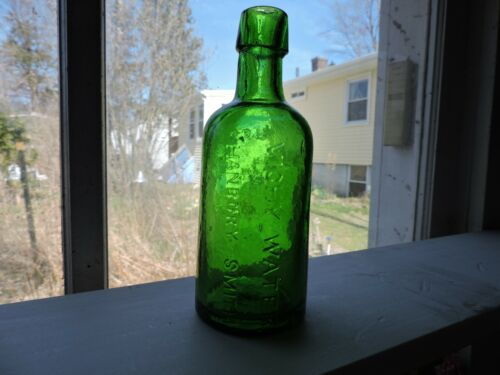 1/2 PINT VICHY WATER HANBURY SMITH 7UP GREEN COLOR