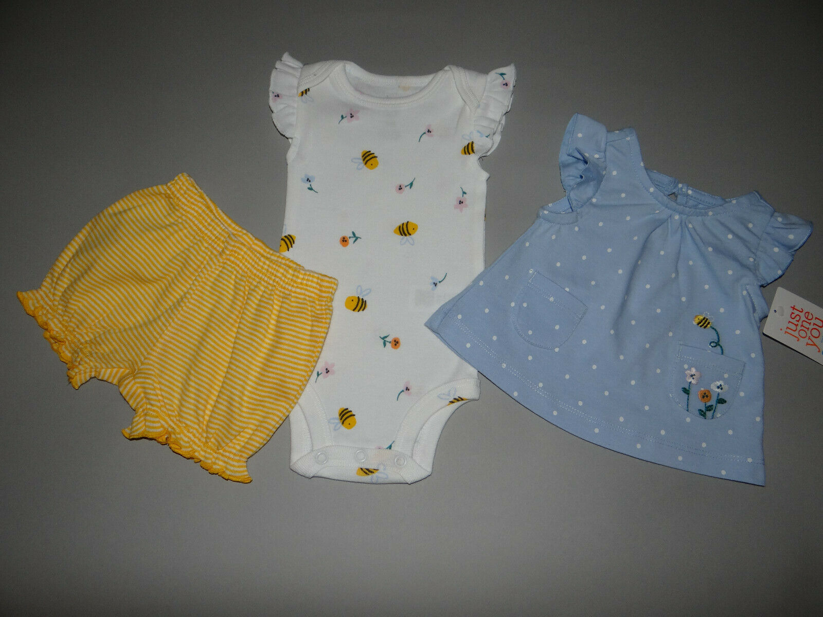 NWT, Baby girl clothes, 12 months, Carter's 3 piece set/  ~~