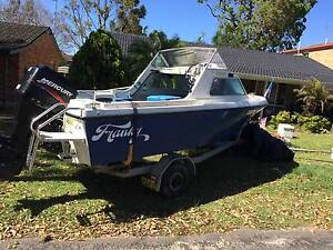16 ft Half cabin cruiser Summerland Point Wyong Area Preview