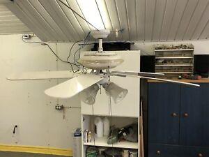 Ventilateur plafond avec lumières
