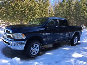 3500 Dodge- 2015 only 39,000km!!!!