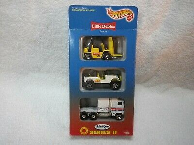 1996 Hot Wheels Little Debbie II Thunder Roller Roll Patrol Jeep Fork LIft Set