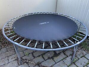 8 ft Action trampoline