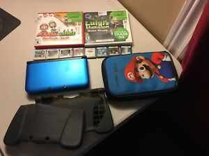 GREAT CONDITION NINTENDO 3DS XL + 10 VALUABLE GAMES + 2 CASES