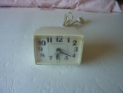 Vintage Westclox Electric Alarm Clock Model 22090 Made in USA Non-Lighted Dial