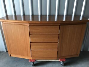 Vintage sideboard Traralgon Latrobe Valley Preview