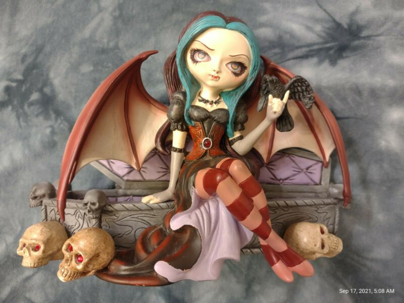 Jasmine Becket-Griffith Vampire Figurine PRINCESS OF THE NIGHT, Great Condition