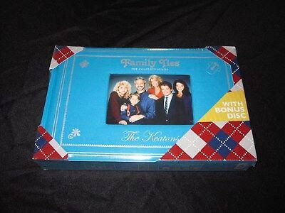 (FAMILY TIES COMPLETE SERIES PHOTO ALBUM DVD SET UPC# 032429142948)