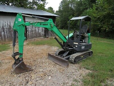 2012 Bobcat E32 Mini Compact Track Excavator With 18 Tooth Bucket - Ship 500
