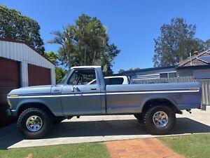 Ford lwb f100 4x4