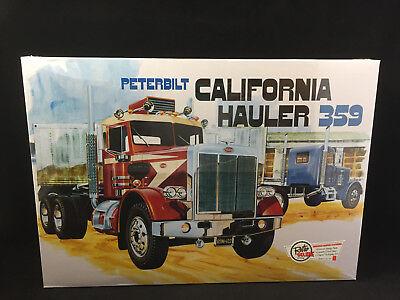 AMT Peterbilt Peterbilt California Hauler 359 1:25 Scale Model Kit 866 + Decals