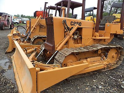 case 350  DOZER with 4 way blade new pins , chain and new sprocks  cat color,