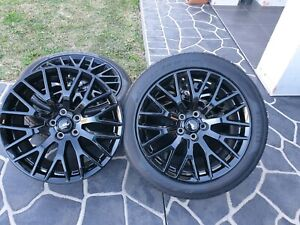 Ford Mustang GT wheels with tyres