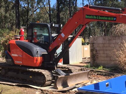 HIRE ME $380 day 9.2T Excavator also bobcat stump grinder earth moving  Thornton Maitland Area Preview