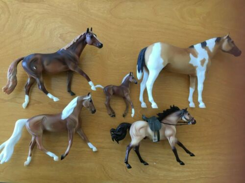 5 BREYER Palomino Horses LOT1 Very Good Condition