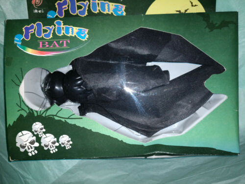 FLYLINE HALLOWEEN BAT BATTERY OPERATED NEW IN BOX