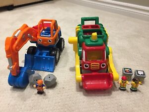 Davey Digger and Flip 'n Tip Fred Recycling Truck (WOW Brand)