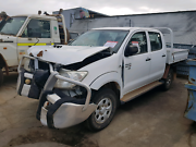 2009 hilux wrecking all parts  Landsdale Wanneroo Area Preview