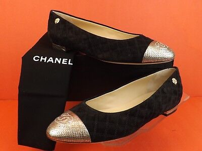 CHANEL G31911 BLACK QUILTED SUEDE GOLD PYTHON CAP TOE CC CAMELLIA FLATS 40.5