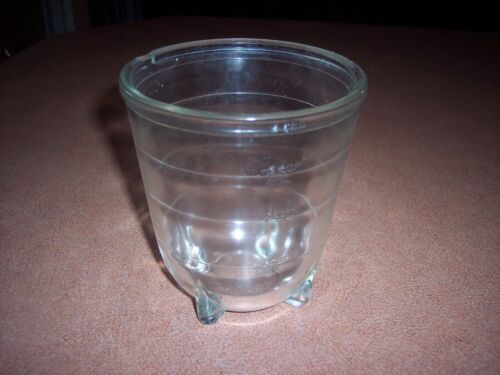 Vintage Glass 4 Cup Footed Measuring Cup - Magnetic Motors Corporation