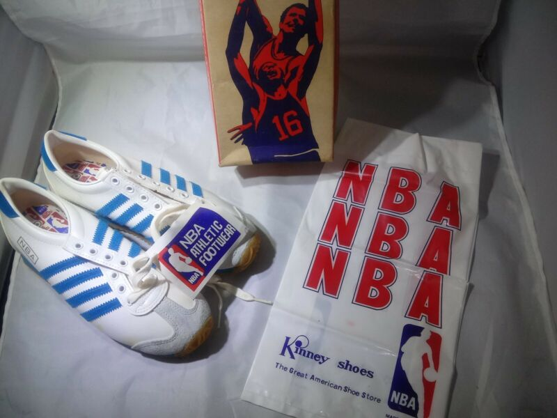 Vintage Kinney NBA sneakers sz 6 white with blue stripes Basketball Shoes 1970s?