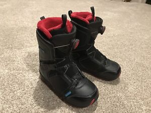 Women's Snowboard Boots with Boa Lacing