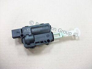 new genuine peugeot 1007 sliding door actuator fits both sides 661536 ebay. Black Bedroom Furniture Sets. Home Design Ideas