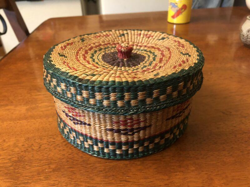 Vintage Basket W. Designs