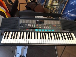 Yamaha PSR-48 keyboard piano synthesizer