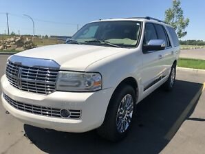 Luxury Lincoln Navigator Fully Loaded with DVD and Video Games