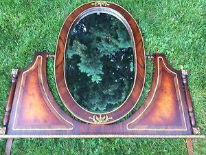 Rétro antique victorien Miroir biseauté ovale base de bois