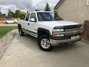 2002 Chevy 2500 LOW KMS REMOTE START