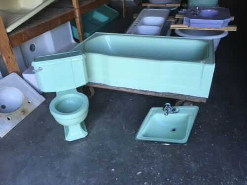Vtg Mid Century Deco Pale Jadeite Green Bathroom Set Old Tub Sink Toilet 438-20E