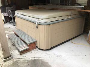 Older hot tub for parts