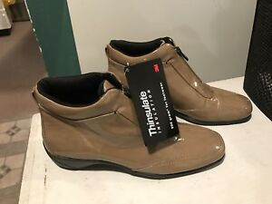 Woman's Boots ( NEW)