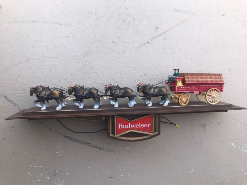 VINTAGE BUDWEISER LIGHTED 2-SIDED CLYDESDALE SIGN CLYDESDALE HORSES AND WAGON