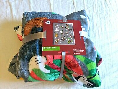 2018 Disney Parks Christmas Holiday Mickey & Friends Reversible Fleece Blanket