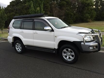 A beautiful 2006 Toyota prado GXL turbo diesel automatic 8 seater Hampton Park Casey Area Preview