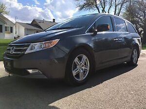 2013 Honda Odyssey Touring. **priced to sell**