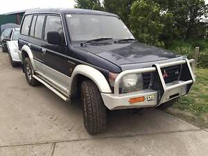 WRECKING 1994 MITSUBISHI PAJERO MANY PARTS AVAILABLE CHEAP!! Craigieburn Hume Area Preview