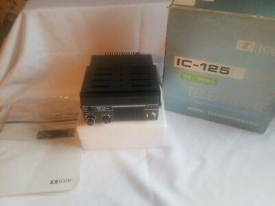 (ICOM IC-125 VHF Radio Telephone 166-174 MHz includes Instruction manual)
