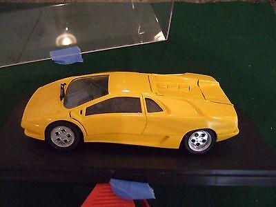 Italeri Testor Lamborghini Diablo Diecast 1:24 made in China - in display case