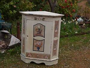 Painted Corner Cabinet Martin Gosnells Area Preview