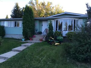 3 bdrm bungalow on a beautifully treed lot in Willingdon