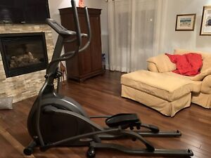 Vélo Elliptique Vision Fitness X6100
