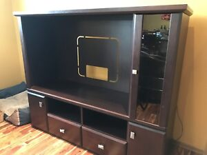 Entertainment unit with lit display