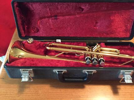 YAMAHA YTR1335 TRUMPET IN CASE