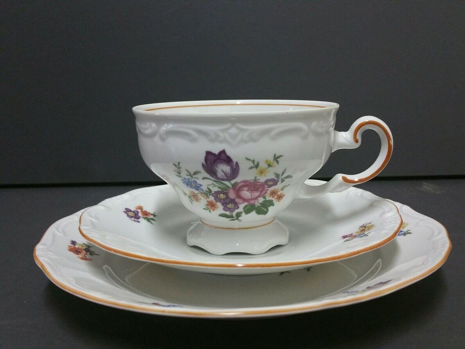 3tlg. Kaffeegedeck Tasse Teller Blumenstrauss Blumen orange Rand Relief Weimar