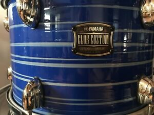 Recherche/looking for snare Yamaha Club Custom Blue Swirl