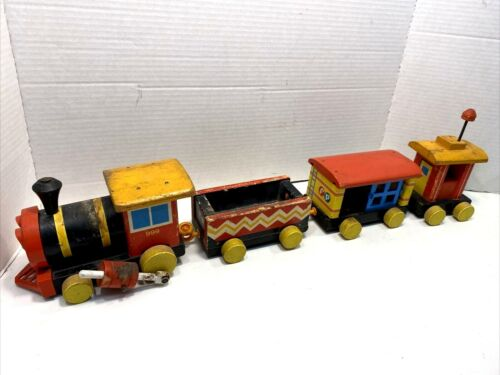 Fisher Price Huffy Puffy Train Wood Pull  4 pieces Vintage1963 USA 999 Pull Toy